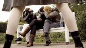 В Брянске эксгибиционист оголился на улице перед тремя школьницами