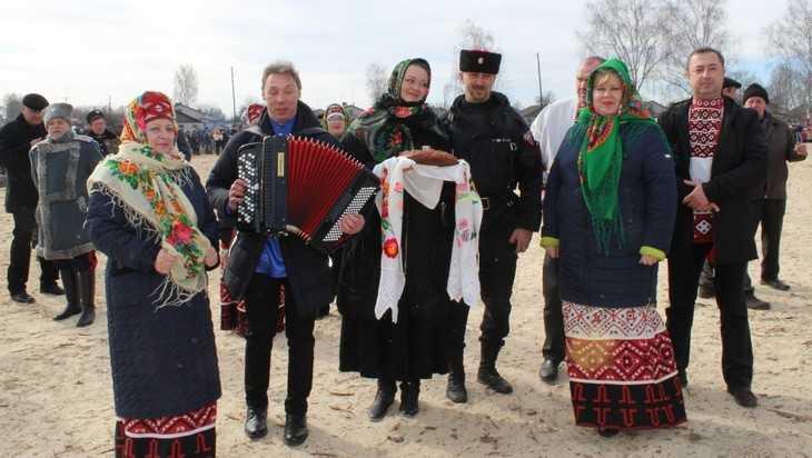 В Сновском Новозыбковского района зиму проводили с казачьим размахом