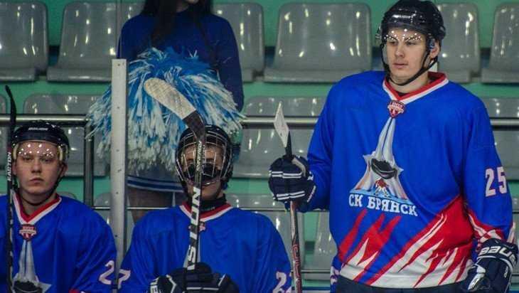 Хоккеисты «Брянска» завершили сезон двумя поражениями в Белгороде