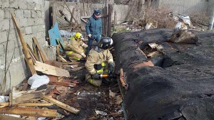 В Брянске под рухнувшей крышей сарая оказался мальчик-иностранец