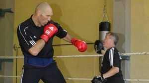 В Новозыбкове Николай Валуев оценил помещение для школы бокса