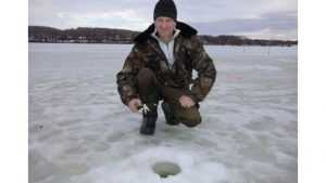 В Дятькове прошли соревнования рыбаков по подледному лову