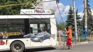 В Брянске назвали причину аварии, из-за которой остановились троллейбусы