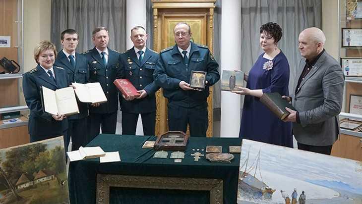 Таможенники передали брянским музеям культурныеценности