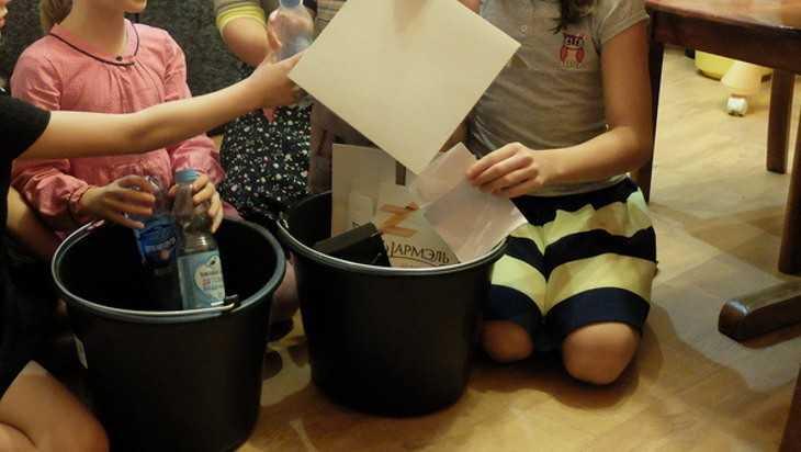 Брянским многодетным семьям вернут треть платы за вывоз мусора