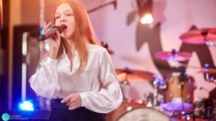 Юная брянская певица Александра Патрикеева отличилась в Смоленске