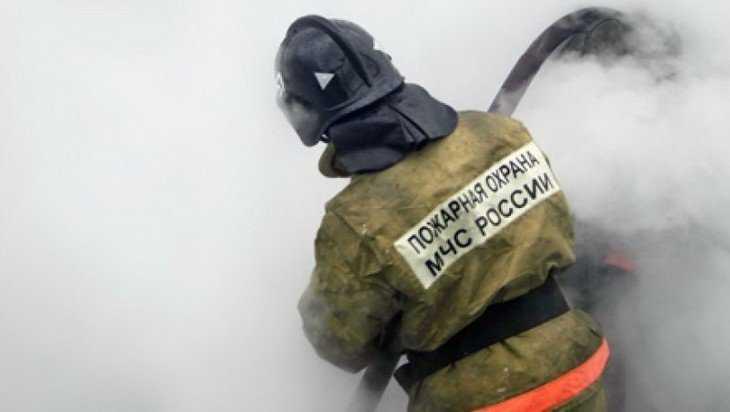 Под Брянском при пожаре в строительном вагончике пострадал человек