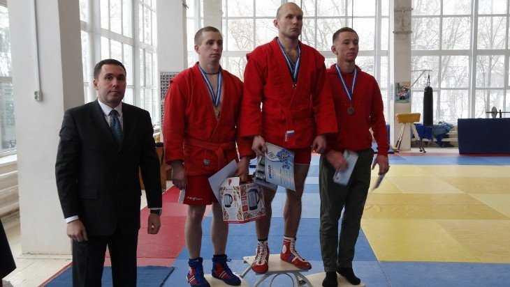 Брянские росгвардейцы завоевали три медали на чемпионате по самбо