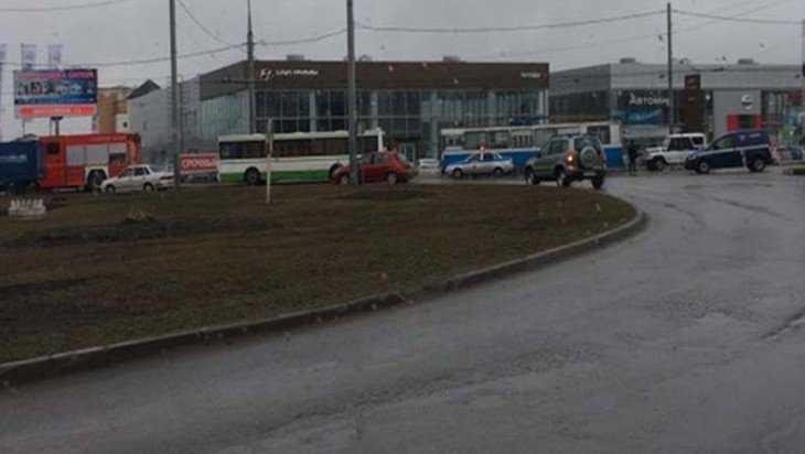 В Брянске в автобусе вместо бомбы нашли банку с борщом