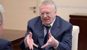 Жириновский запретил обнимать его в своем кабинете
