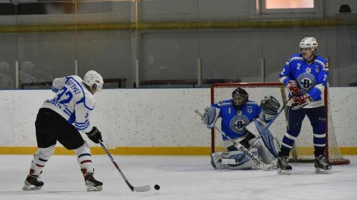 Команда брянского губернатора обыграла в хоккей сборную Трубчевска