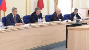 Брянский губернатор Богомаз призвал чиновников жить по закону или уйти