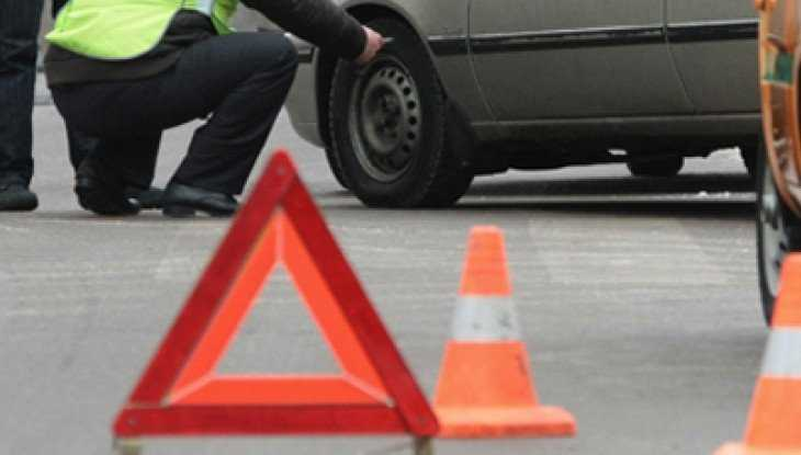 В Брянске столкнулись три автомобиля – пострадал 47-летний мужчина