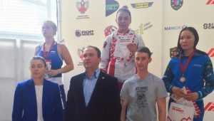Брянские девушки завоевали «золото» и «серебро» на турнире по боксу