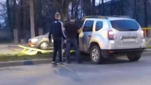В Брянске на проспекте Станке Димитрова внедорожник снес ограждение
