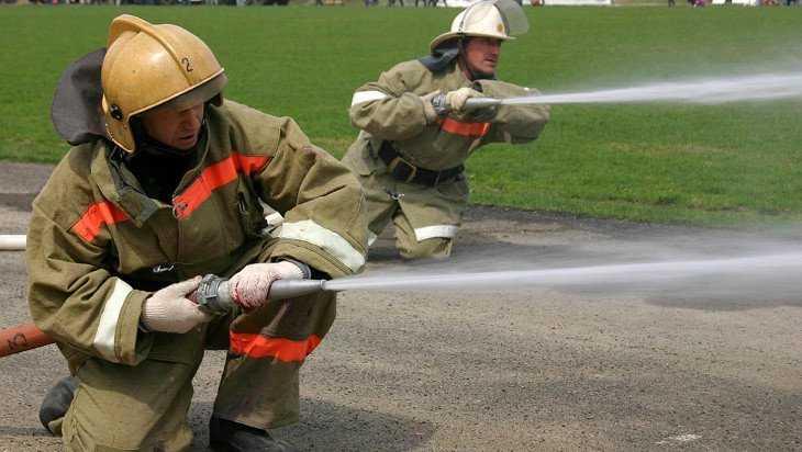 Брянские пожарные пригласили на празднование 370-летия их службы
