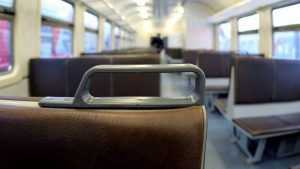 В Брянске машинист электрички украл мобильник у спящего пассажира