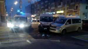 В Брянске 19-летняя девушка сломала нос в ДТП на проспекте Ленина