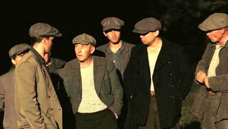 В Клинцах отдали под суд участника банды из 9 вымогателей