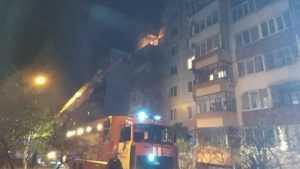 Брянские пожарные спасли 10 человек из горевшей многоэтажки