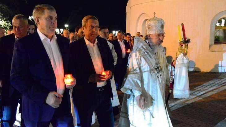 Брянский губернатор Александр Богомаз отпраздновал Пасху в кругу семьи