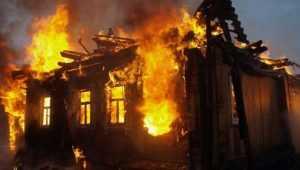 В Карачевском районе сгорел дом – пострадал человек
