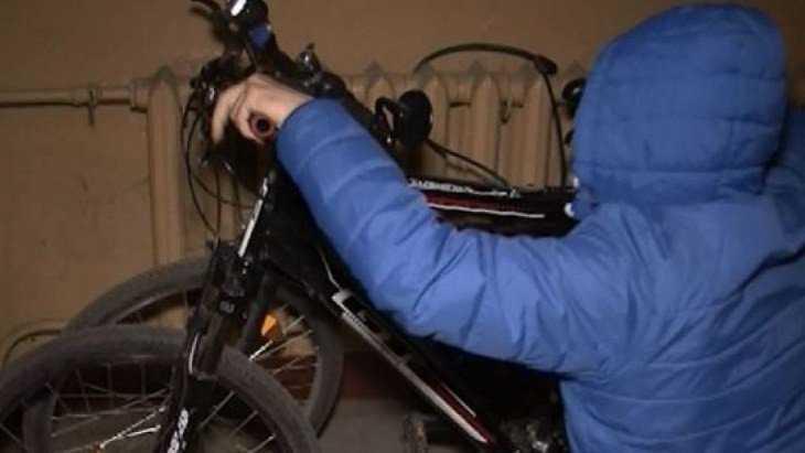 В Жуковке 14-летний трудный подросток украл из подъезда велосипед