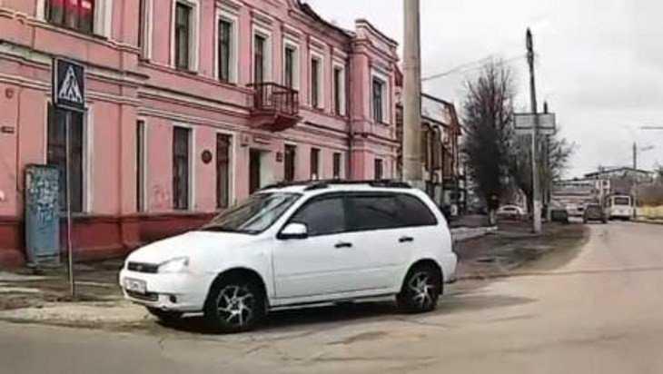 Водителя «Лады-Калины» оштрафовали в Брянске за нарушение по видео