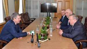 В Брянске Богомаз и генерал Шаманов обсудили воспитание патриотов