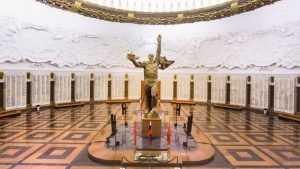 Брянцев пригласили на прогулку по московскому Музею Победы