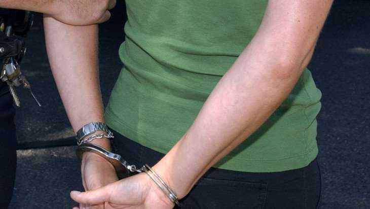 В Клинцах молодую женщину осудили за сбыт наркотиков