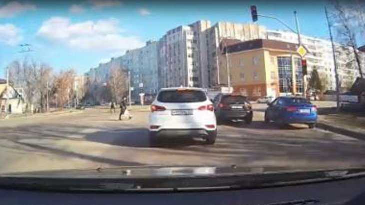 Водителя «Инфинити» оштрафовали в Брянске на 1000 рублей по видео