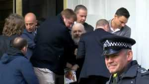 Арест Ассанжа: пресса банановой республики, раболепный английский суд