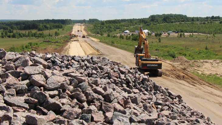 Брянский губернатор запретил строить дороги к домам кума и брата