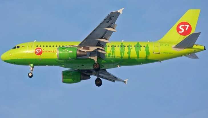 Вылет самолёта из Петербурга в Брянск задержали на три с половиной часа