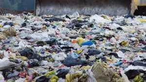 Неплатежи и банкротство: почему не работает мусорная реформа в России
