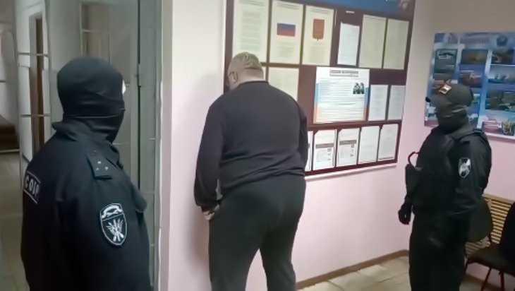 В Брянске задержали двух сутенеров и десять проституток