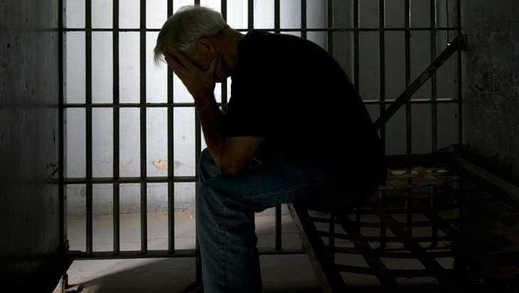 В общежитии Брянска молодой мужчина убил 58-летнего собутыльника