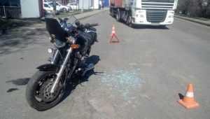 В Брянске пенсионер на Mazda покалечил 55-летнего мотоциклиста