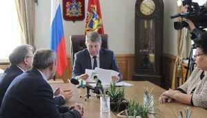 Брянскому губернатору рассказали о работе Погарской сигаретной фабрики