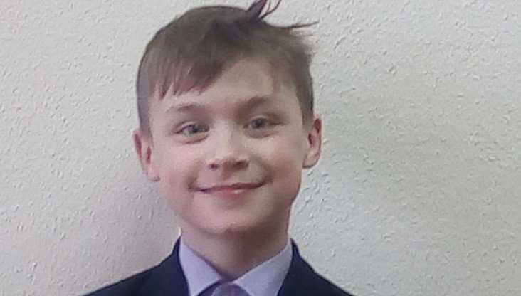 В Брянске ищут семью для 14-летней Елены и её 10-летнего брата Даниила