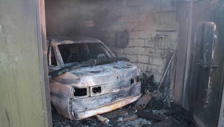 В гараже Унечи утром сгорел легковой автомобиль
