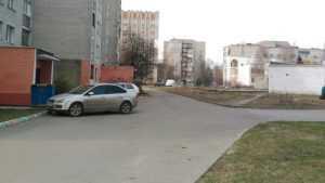 В Брянске таинственный хулиган расстрелял из пневматики 5 автомобилей