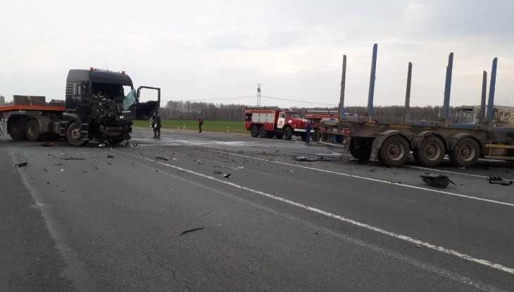 В Выгоничском районе два грузовика не поделили дорогу
