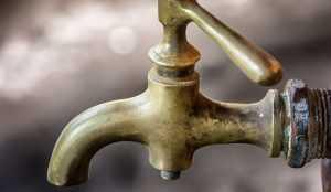 В Бежицком районе Брянска 27 мая понизят напор воды