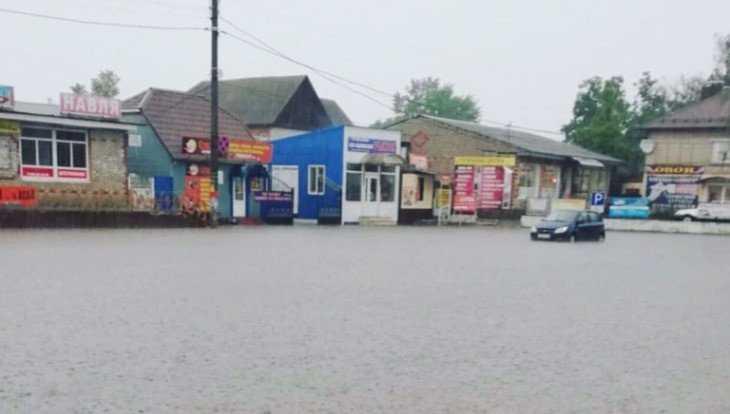 Брянский посёлок Навля ушёл под воду после ливня