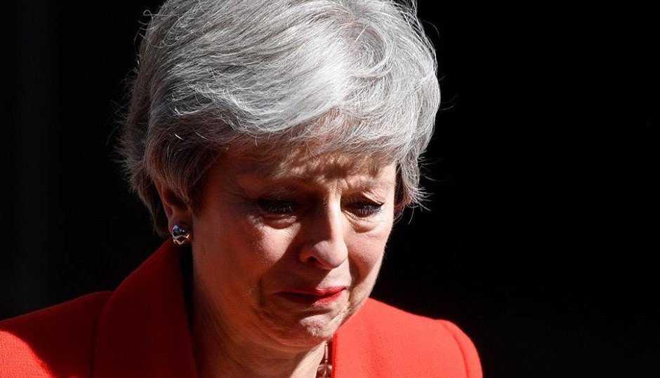 Должность жалко: Тереза Мэй со слезами объявила об отставке