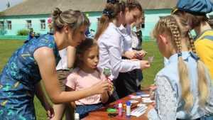 Жизнерадостный детский праздник прошел в Стародубском районе