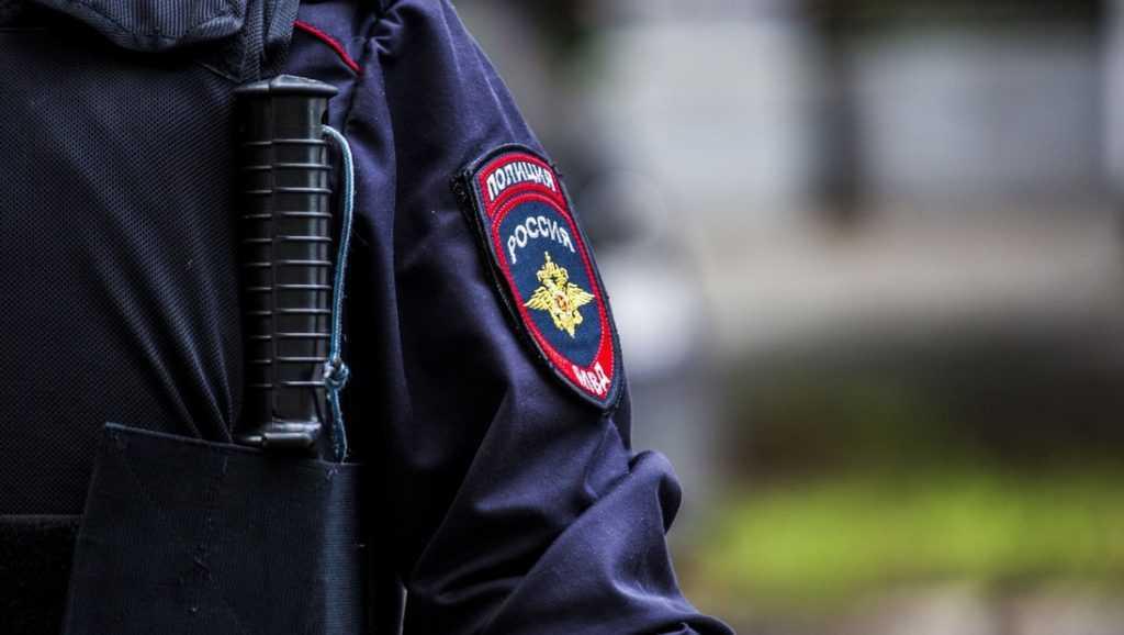 В Брянске за творческую инсценировку краж задержали двоих полицейских