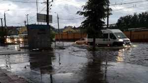 В Бежицком районе Брянска ливень затопил несколько улиц